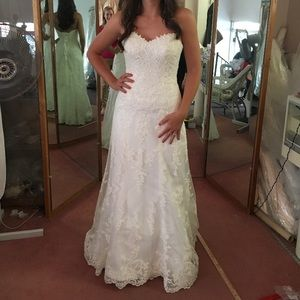 "Maggie Sottero ""Emma"" Sweetheart Wedding Gown"